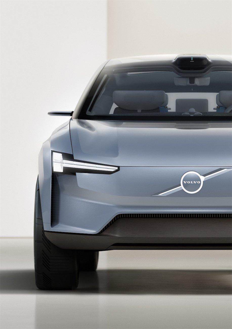 2022-Volvo-Concept-Recharge-083