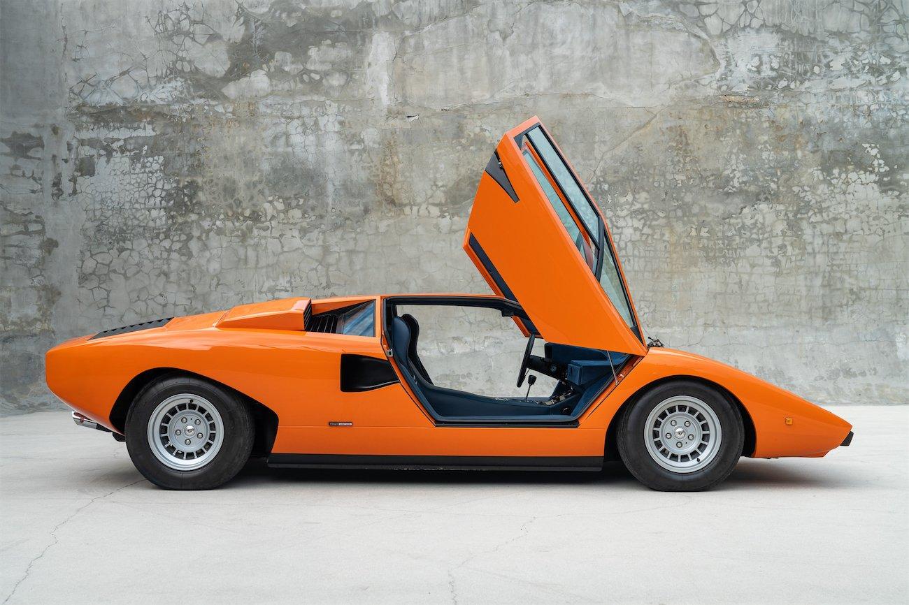 Lamborghini-Countach-LP400-Periscopio-Arancio-1-of-35-1